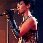 Svetoznámy Eminem a Rihanna valcujú rekordy na YouTube
