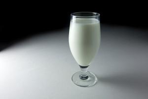 Mlieko: Piť či nepiť?