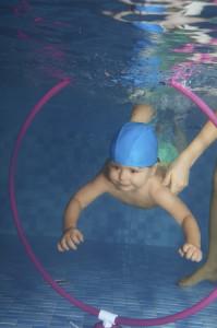 Chcete zo svojho bábätka malého vodníka? Čo tak skúsiť plavecké kurzy pre najmenších?