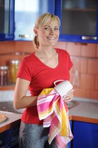 Moderná žena v kuchyni