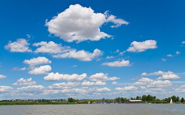 lake-63761_640