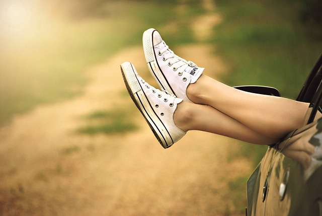 Zabudnite konečne na vysoké podpätky a obujte si sexy tenisky!