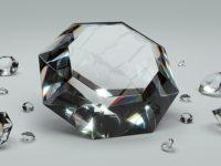 Najdrahšie šperky na svete – Náušnice so vzácnym diamantom aj diamantové bikiny