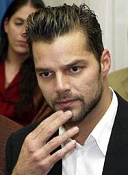 Ricky Martin sa hrdo priznáva khomosexualite!