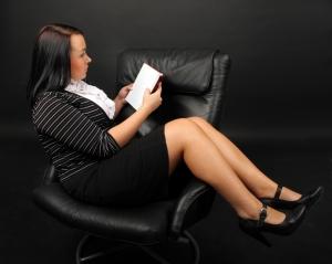 Vzťah na pracovisku – nebezpečná hra?
